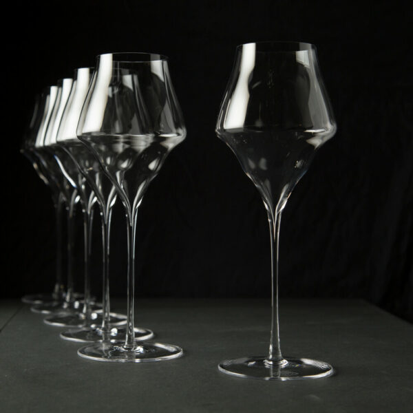 six champagner glasses