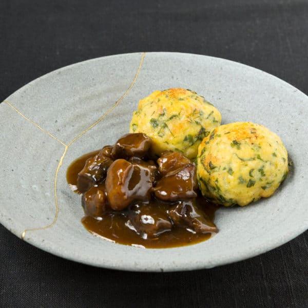 nobelhart und schmutzig dumplings with ragout