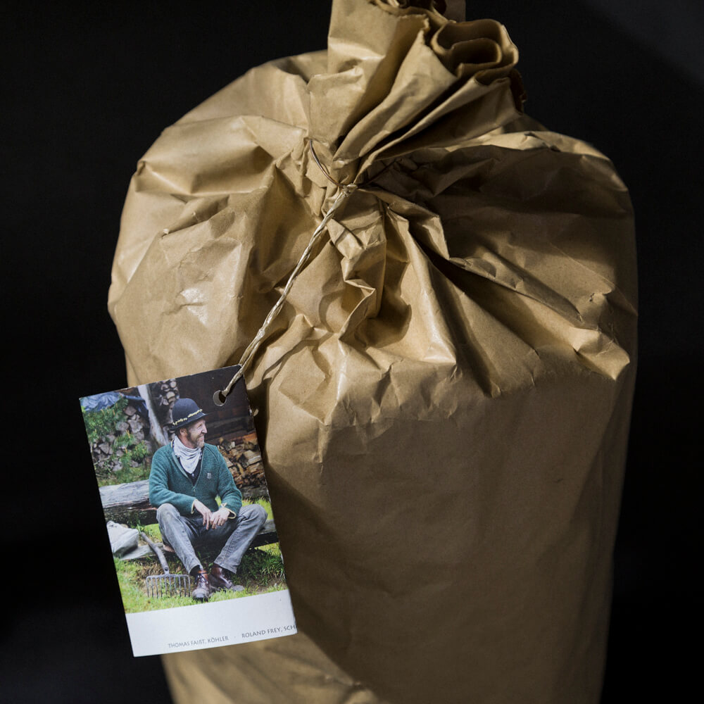 4 Kilogramm Schwarzwälder Buchenholzkohle im Sack