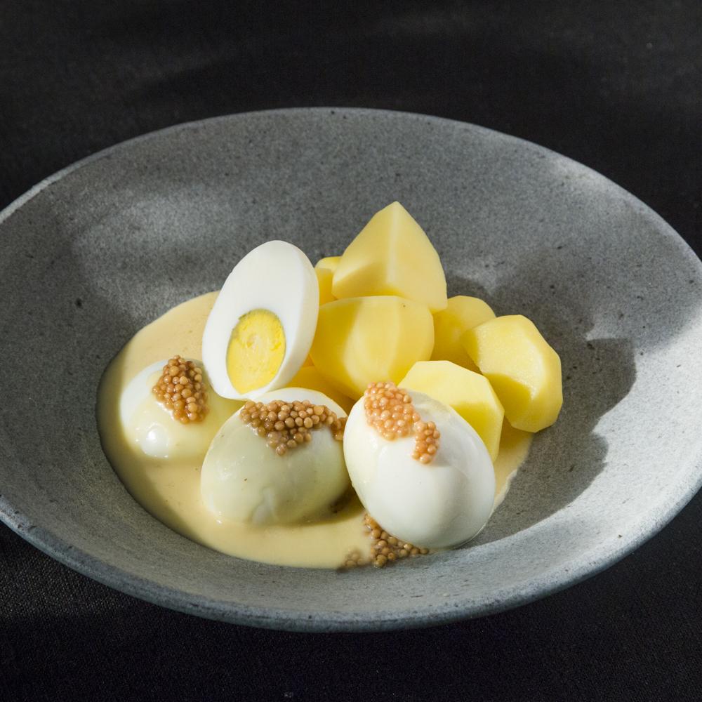 Eier in Senfsosse