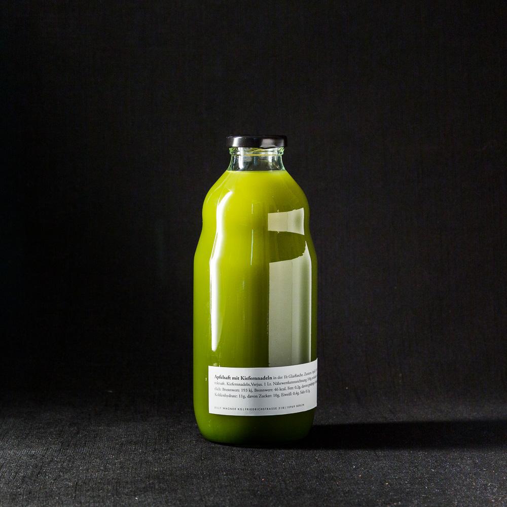 Apfelsaft mit Kiefernnadeln   Nobelhart & Schmutzig Hausgemachtes, 1 liter Flasche